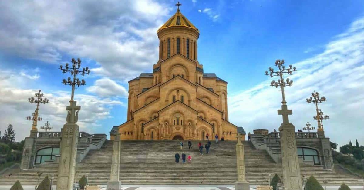 Цминда Самеба (Тбилиси)